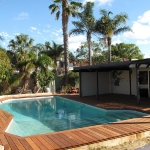 -jarrah-decking-around-pool-in-perth